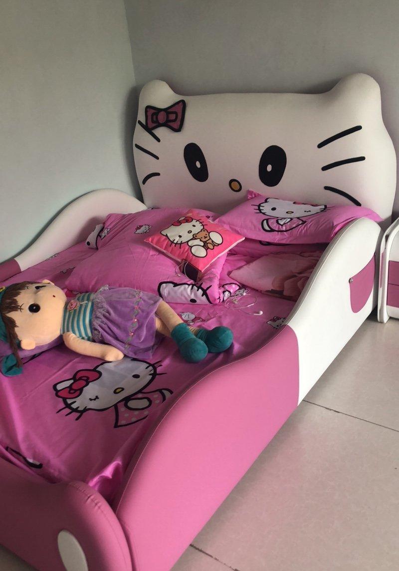 Ảnh khách hàng mẫu giường Hello kitty cho bé GTE011 5