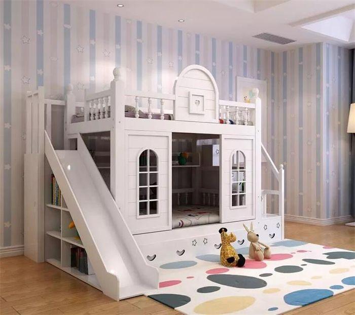 Mẫu giường tầng cho bé hình ngôi nhà có cầu thang, cầu trượt GTE033 màu trắng