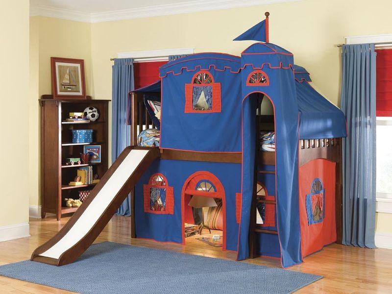 Giường tầng thiết kế kiểu ngôi nhà dễ thương cho bé