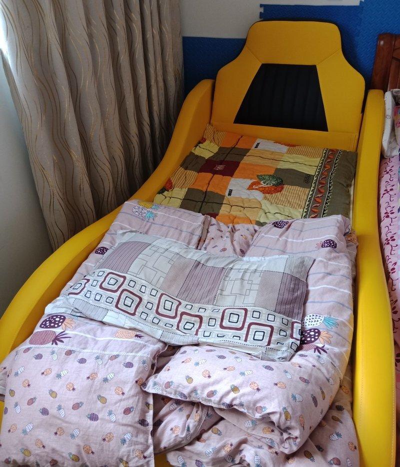 Giường ô tô cho bé trai đẹp nhập khẩu GTE079 màu vàng