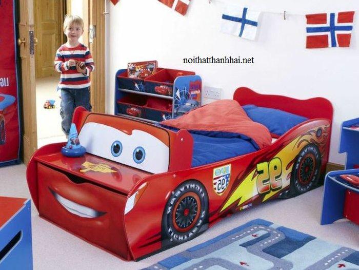 Giường ô tô cho bé trai tia chớp MCQUEEN