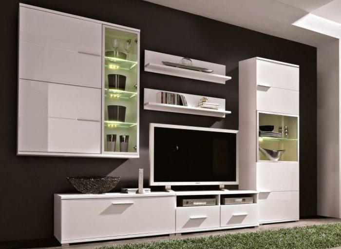 Tủ kệ tivi phòng khách hiện đại màu trắng