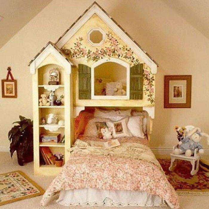 Mẫu giường cho trẻ em thiết kế lâu đài