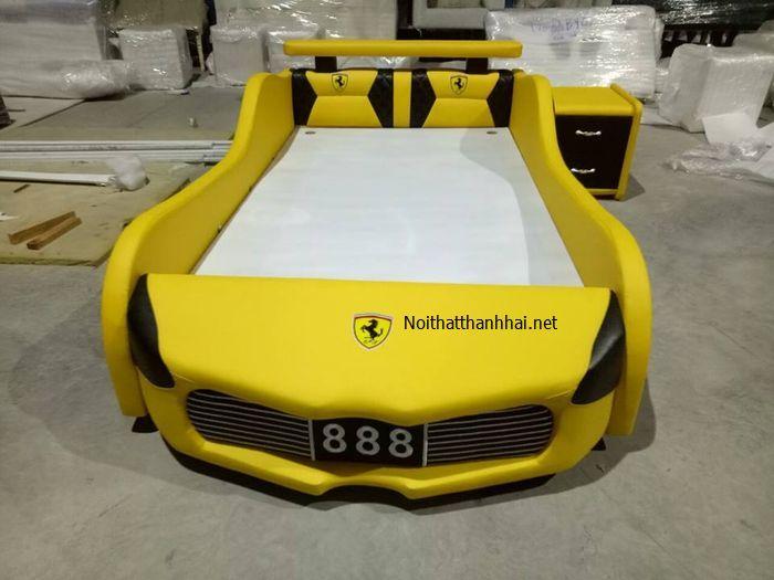 Giường ô tô cho bé Kích cỡ 1m4 x 2m đặt theo khách hàng, đường viền mặt tỉ mỉ