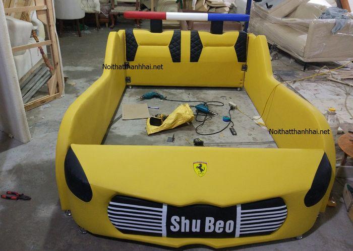 Giường ô tô cảnh sát màu vàng
