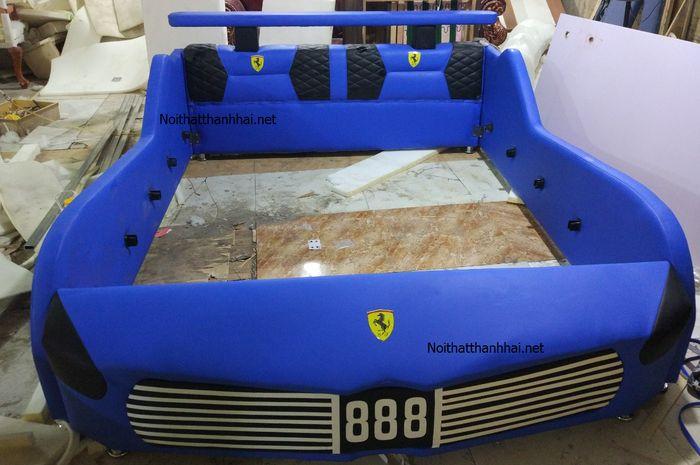 Giường trẻ em kiểu dáng ô tô thể thao màu xanh da trời