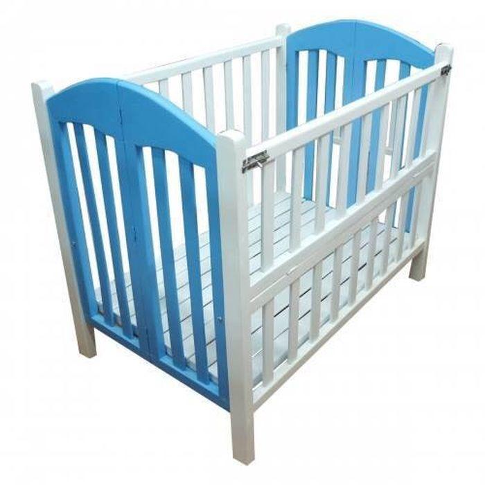 Cũi dành cho bé sơ sinh làm bằng gỗ màu xanh