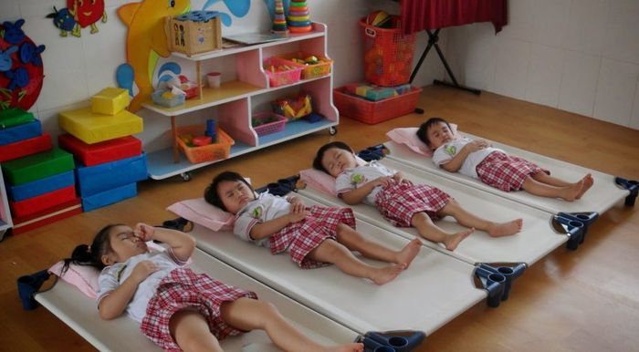 giường lưới dành cho trẻ mầm non 2