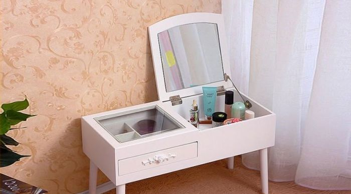 Mẫu bàn trang điểm mini màu trắng dễ thương