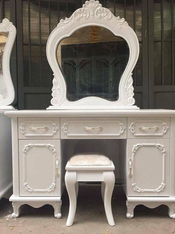 Bàn trang điểm tân cổ điển Mẫu màu trắng có 5 ngăn kéo, 1 ghế