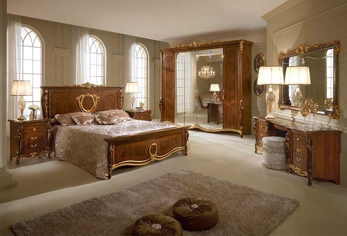 Giường tân cổ điển làm từ gỗ óc chó