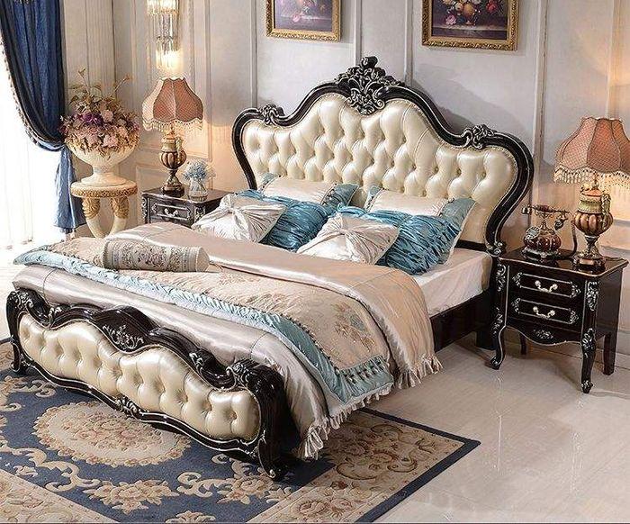 Giường tân cổ điển làm bằng gỗ sồi 2
